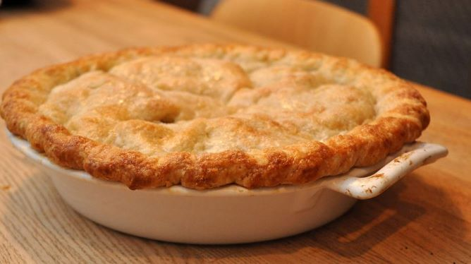 Vegan Apple Pie: Many Ways to Use Apples (15 Apple Fruit Uses & Recipe Ideas)